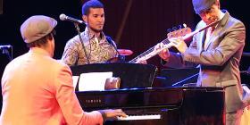 Néstor Torres brilla en espectáculo con estrellas de la flauta