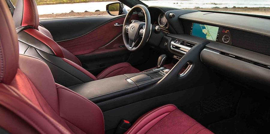 Interiores del Lexus LC500.