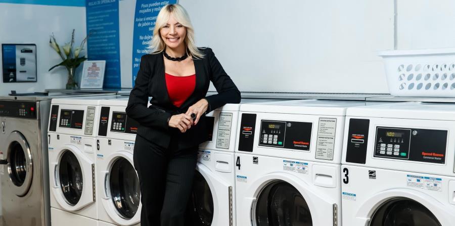 Noraida Morales, propietaria de Quick Service Laundromat, en Bayamón. (horizontal-x3)