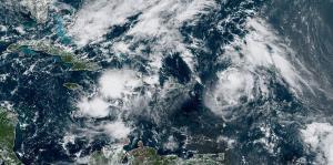 El hurcán Jerry se debilita en su ruta cercana al Caribe
