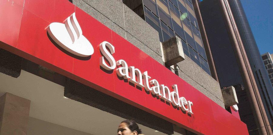 Los clientes también pueden realizar transacciones a través de la aplicación móvil Santander Puerto Rico. (horizontal-x3)