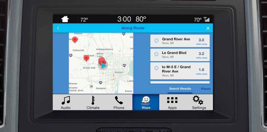 Disponible mundialmente a través de Ford SYNC AppLink, los usuarios de Waze pueden simplemente conectar su iPhone en un vehículo equipado con SYNC 3 y proyectar la aplicación directamente en la pantalla táctil de su automóvil. (horizontal-x3)