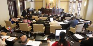 Comienzan vistas sobre ordenanza que prohibiría el uso de glifosato en terreno o suelo público en San Juan