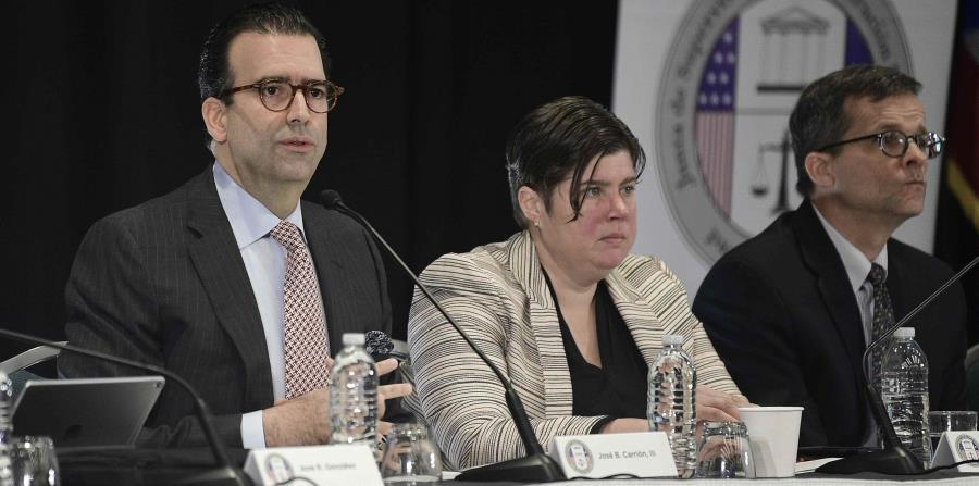 José Carrión, Ana Matosantos y David Skeel, miembros de la Junta de Supervisión Fiscal. (horizontal-x3)