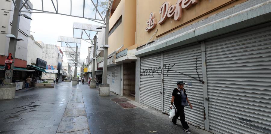 Los expertos del Banco de la Reserva de Nueva York señalaron que la mayor parte de los trabajos perdidos tras el huracán María fueron en restaurantes, barras, hoteles y tiendas al detal. (GFR Media) (horizontal-x3)