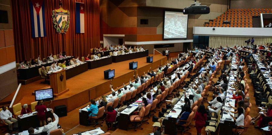 Diputados cubanos a favor del matrimonio gay