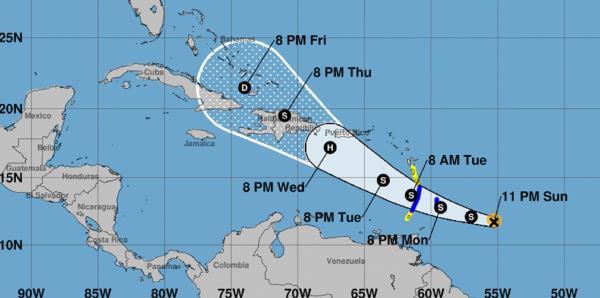 Dorian podría pasar a unas 62 millas al sur de Ponce