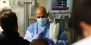 Profesionales de la enfermería salen de Puerto Rico a trabajar por $75 la hora