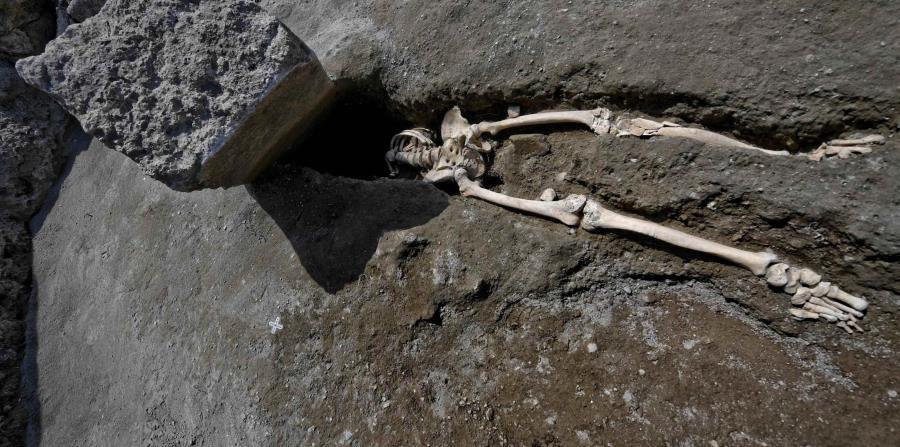 Descubren en Pompeya esqueleto de hombre víctima de la furia de la erupción (horizontal-x3)