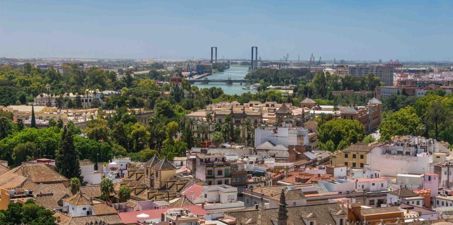 En el centro de Sevilla, este paque tiene 34 hectáreas repletas de vegetación y atracciones. (Suministrada)