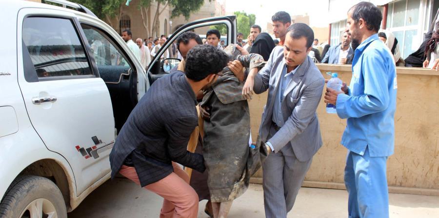 Un ataque aéreo mata a una docenas de niños en Yemen (horizontal-x3)