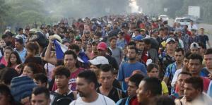 Impresionante caravana de migrantes q...