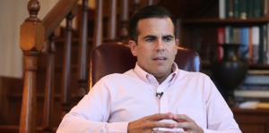 El gobernador repasa los aciertos y desaciertos de la respuesta a María