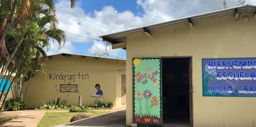 La escuela elemental Julio Lebrón, en el poblado de Castañer, es una de las 280 escuelas que Educación cerrará en agosto. (horizontal-x3)