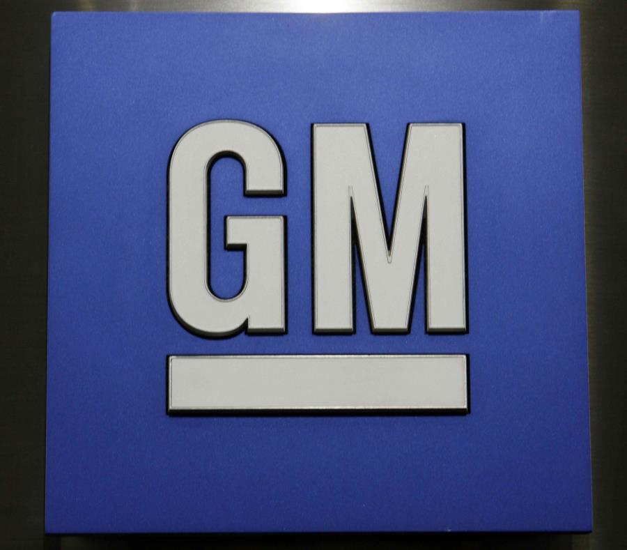 El logo de General Motors Co. en una conferencia de prensa. (semisquare-x3)