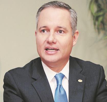 Al centro el presidente de MIDA, Manuel Reyes Alfonso (semisquare-x3)