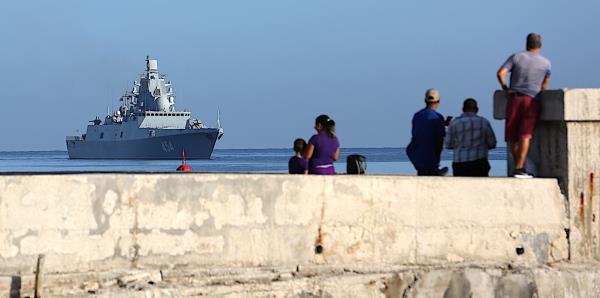 Buques militares rusos entran a Bahía de La Habana