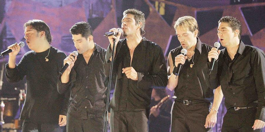 Exintegrantes del grupo Menudo durante un concierto de su Reencuentro. (GFR Media) (horizontal-x3)