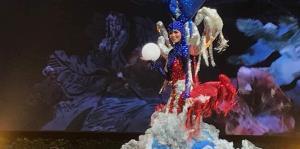 Kiara Liz Ortega sufre una caída al desfilar su traje típico en Miss Universe