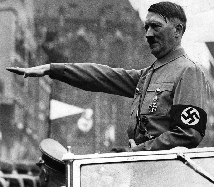 la pareja decidió ponerle a su hijo como segundo nombre Adolf porque sentía