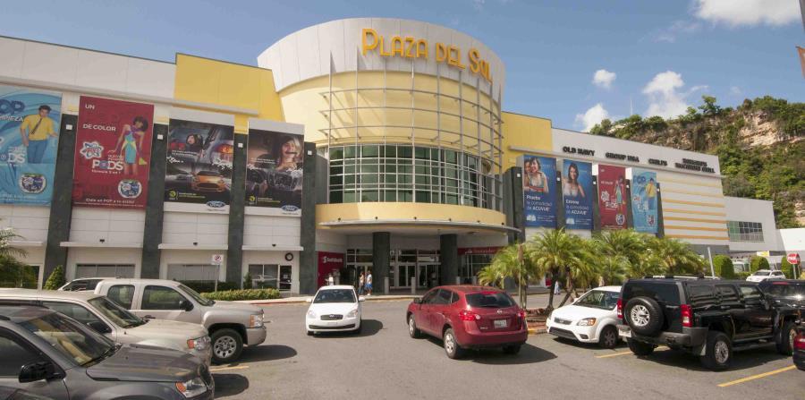 Plaza del Sol, en Bayamón, es uno de los centros comerciales abiertos. (Archivo / GFR Media) (horizontal-x3)