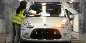 La fusión de Fiat y Peugeot sigue adelante sin el cierre de fábricas pese al COVID-19