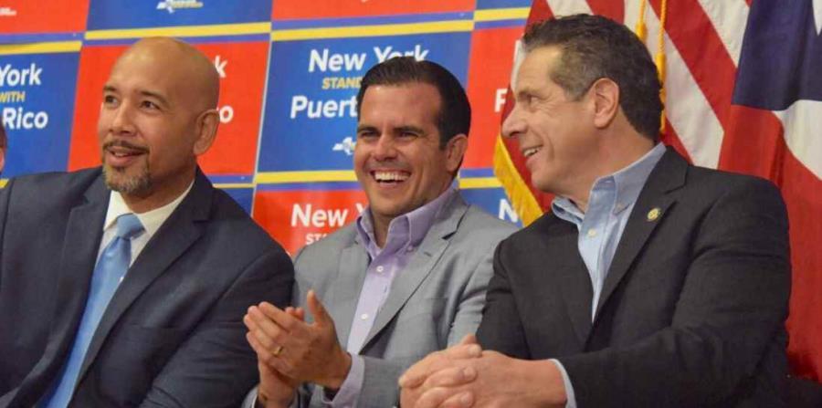 Al centro el gobernador de Puerto Rico, Ricardo Rosselló, acompañado del gobernador de Nueva York, Andrew Cuomo, a la derecha (horizontal-x3)