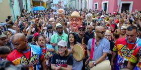 Comienzan las Fiestas de las Calle San Sebastián con su tradicional comparsa