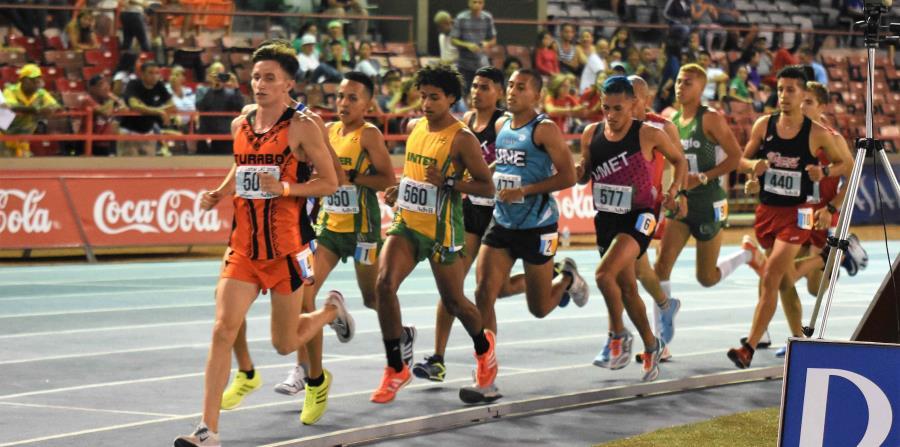 El colombiano Yuber Echeberri cronometró 31:18.79 para ganar la primera final masculina y darle a los campeones defensores 10 puntos. (Suministrada) (horizontal-x3)