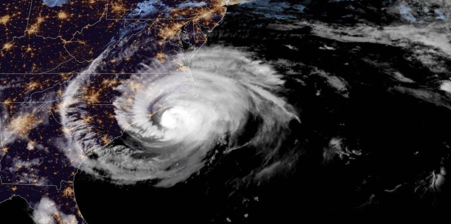 Imagen satelital del huracán Florence mientras se acerca a la costa este de los Estados Unidos. (Captura / NOAA) (horizontal-x3)