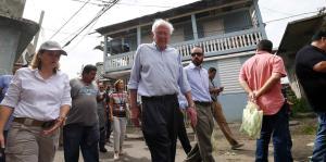 Bernie Sanders proponer implementar un plan Marshall para la recuperación de la isla