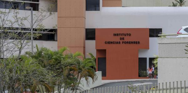 Forenses culmina las autopsias de los tres hermanos que murieron en accidente en Aguadilla