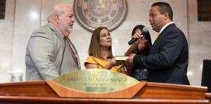 Reinaldo Vargas juramenta como representante