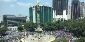 Temblor estremece a México