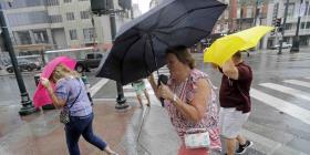 Una depresión tropical se forma en la costa de Florida