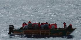 Unidades de FURA intervienen con 17 personas que intentaban entrar a la isla por Aguada