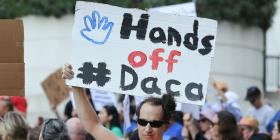 """Jóvenes """"soñadores"""" preparan futuras acciones por los beneficiados con DACA"""