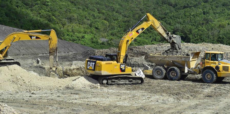 Esta semana, la empresa AES Puerto Rico ha trasladado las cenizas desde sus instalaciones en Guayama hasta el relleno sanitario en Peñuelas. (horizontal-x3)