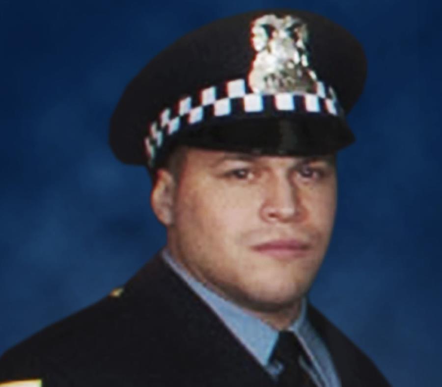 Destacan futuro prometedor policía puertorriqueño asesinado en hospital de Chicago (semisquare-x3)