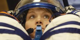 Primer paseo espacial con solo mujeres se frustra por falta de un traje adecuado