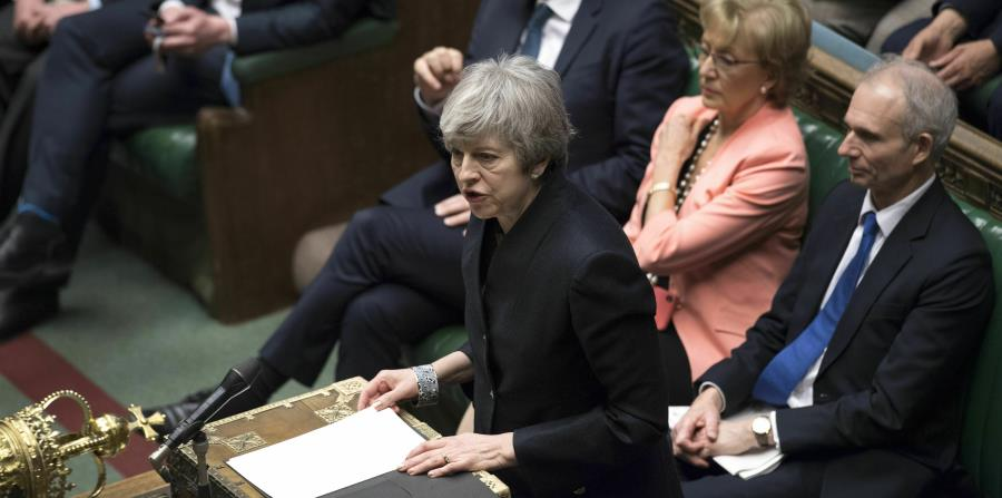 La primera ministra británica Theresa May ofrece un mensaje en la Cámara de los Comunes en Londres, el jueves 11 de abril de 2019. (Jessica Taylor / Parlamento del Reino Unido vía AP) (horizontal-x3)