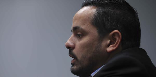 """Erik Rolón asegura que su figura """"se convirtió en una distracción"""" para el gobierno"""