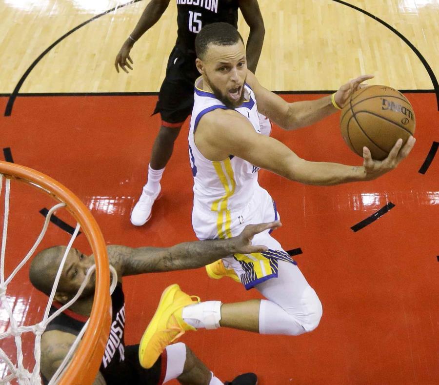 Stephen Curry en la acción del quinto juego. (AP) (semisquare-x3)