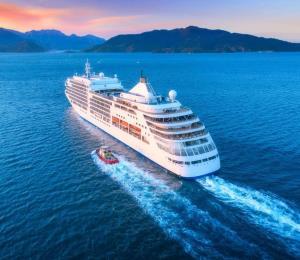 """Compañía pide """"compasión y humanidad"""" para el crucero Zaandam"""