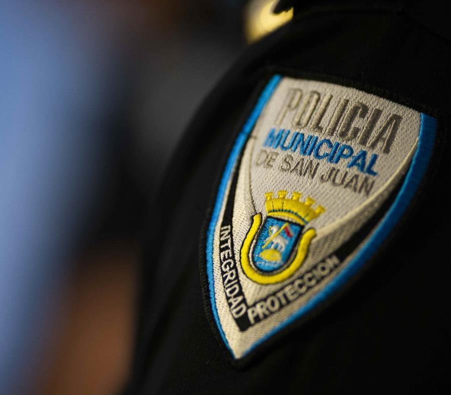 La Policía Municipal de San Juan reservó la calle del Cristo para la comitiva fúnebre. (GFR Media) (semisquare-x3)