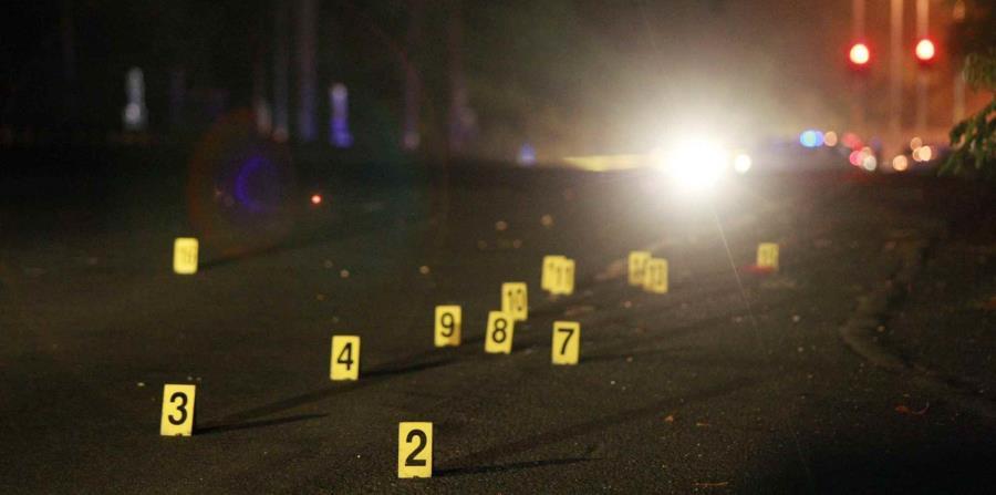 Tres hombres fueron asesinados esta noche. (horizontal-x3)