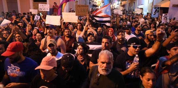 Crece el reclamo de renuncia contra Ricardo Rosselló