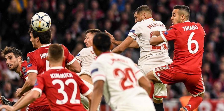 En los primeros compases, el Bayern rozó el gol con un tiro libre de James Rodríguez que salió apenas desviado. (EFE / Lukas Barth) (horizontal-x3)