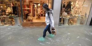 Inundadas gran parte de las calles de Venecia