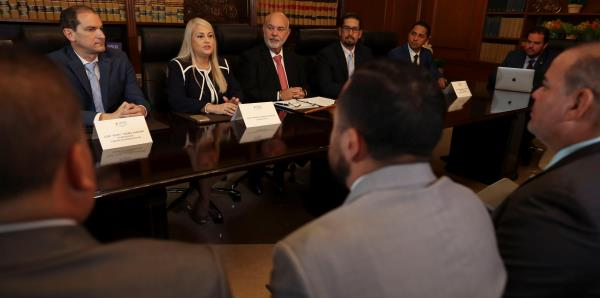 Legisladores establecen lazos de colaboración con la gobernadora Wanda Vázquez